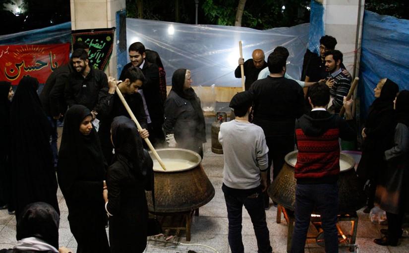 پخت حلیم در حیاط بیمارستان کودکان بهرامی