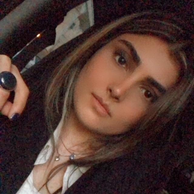 نادیا شمس